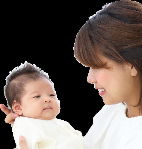 家で育児中の人と赤ちゃん